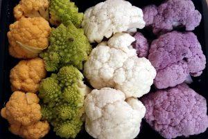 Différentes couleurs de chou-fleur